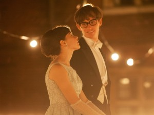 felicity jones and eddie redmayne as jane and stephen in the theory of everything